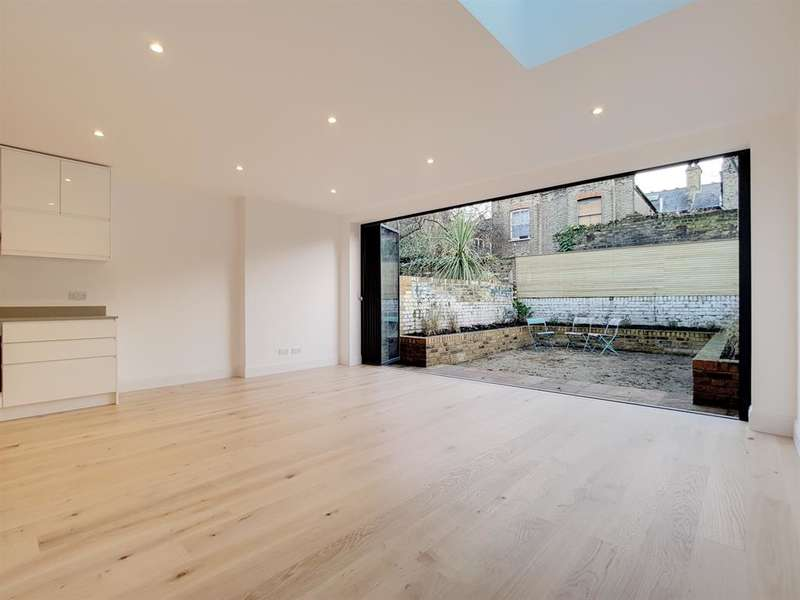 3 Bedrooms Ground Flat for sale in Coldharbour Lane, Camberwell, London, SE5 9NS