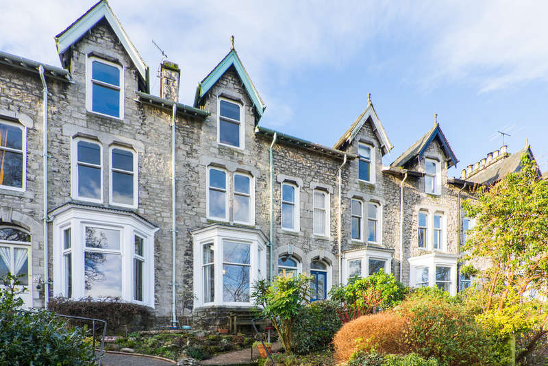 4 Bedrooms Terraced House for sale in 9 Kendal Green, Kendal, Cumbria LA9 5PN