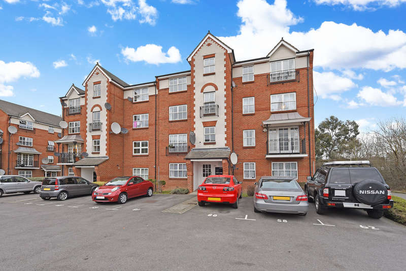 2 Bedrooms Flat for sale in Shaftesbury Gardens, London