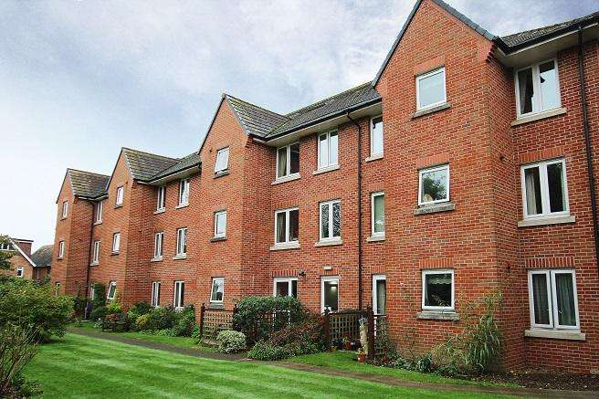 1 Bedroom Retirement Property for sale in Byron Court, Stockbridge Road, Chichester PO19