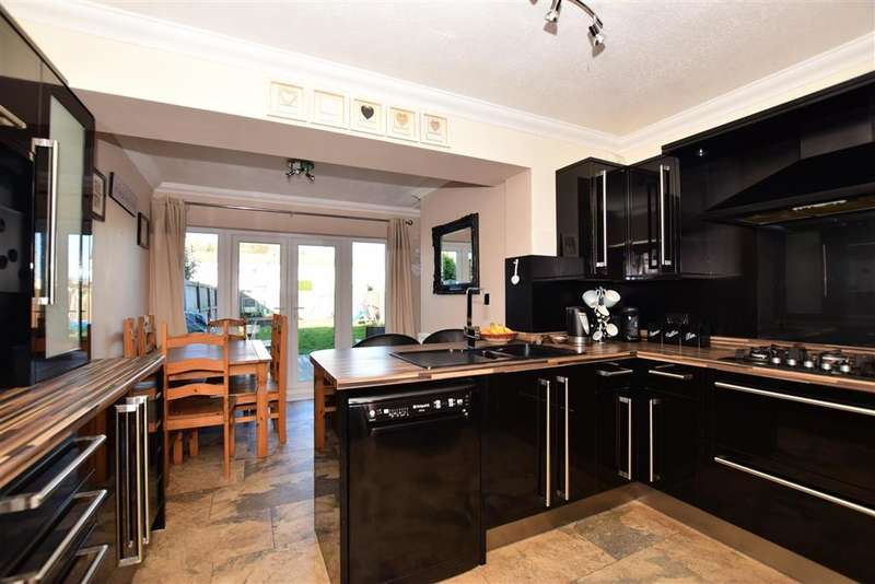 3 Bedrooms Terraced House for sale in Cobham Chase, , Faversham, Kent