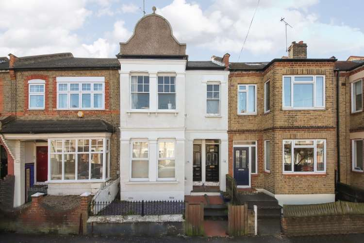 2 Bedrooms Flat for sale in Eversley Road London SE7