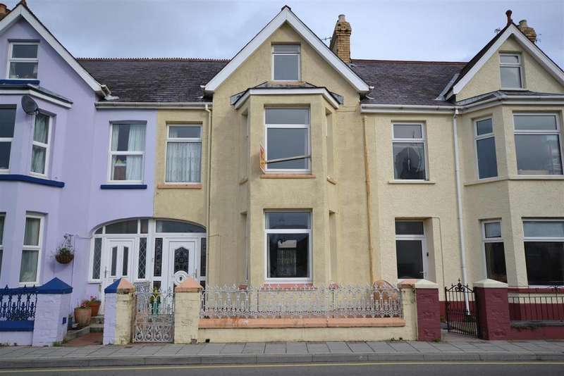 5 Bedrooms Terraced House for sale in Fishguard