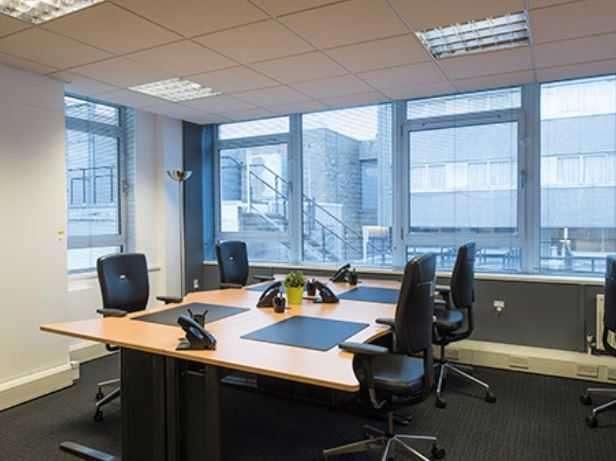 Office Commercial for rent in Princes Street, Edinburgh, Edinburgh
