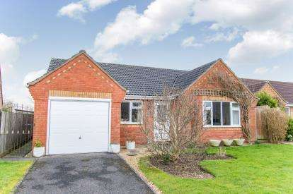 3 Bedrooms Bungalow for sale in Bonnetable Road, Horncastle, Lincoln, Lincolnshire