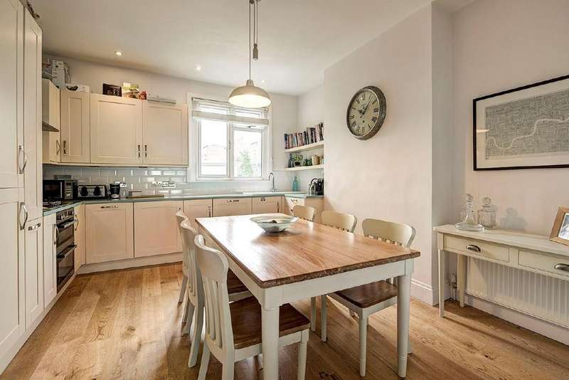3 Bedrooms Flat for sale in Sumatra Road, West Hampstead
