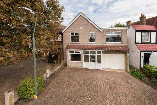 4 Bedrooms Detached House for sale in Bedonwell Road, Upper Abbey Wood, SE2