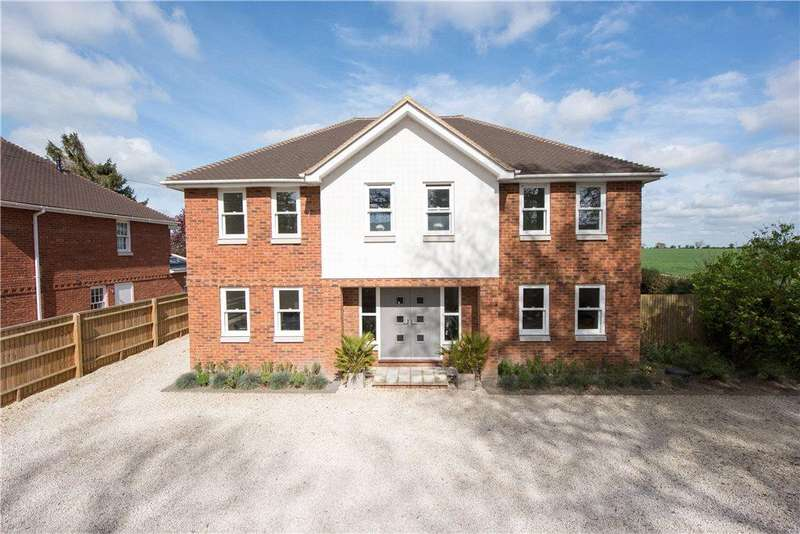 4 Bedrooms Detached House for sale in Risborough Road, Little Kimble, Aylesbury, Buckinghamshire