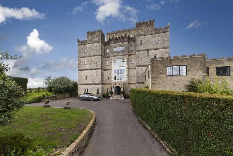 3 Bedrooms Maisonette Flat for sale in Beedings Castle, Nutbourne Lane, Pulborough, West Sussex, RH20