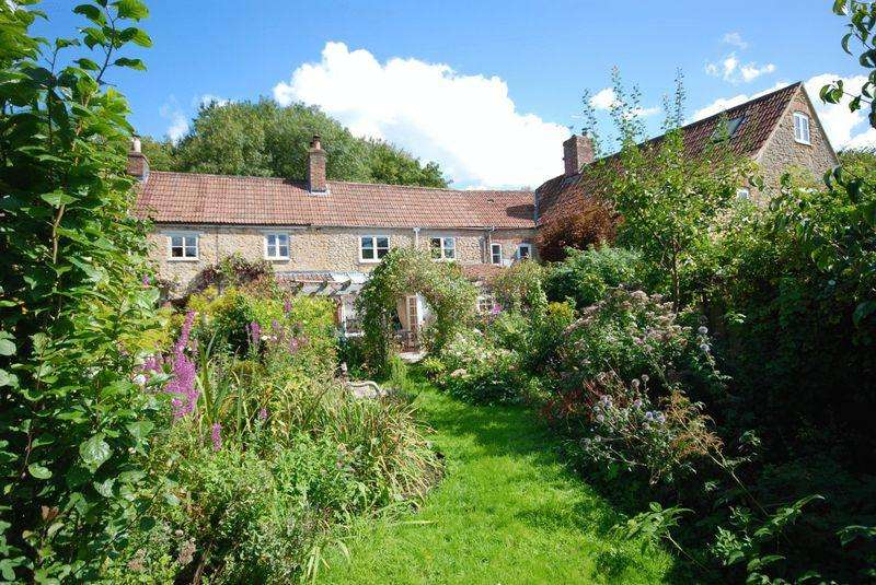 3 Bedrooms Cottage House for sale in Pitcombe, Bruton