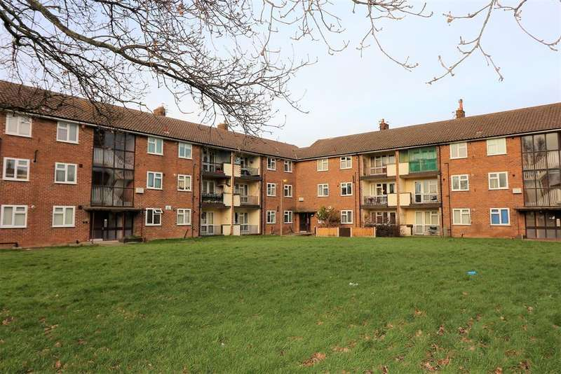 2 Bedrooms Ground Flat for sale in Pasture Road, Wirral, CH46 8SB