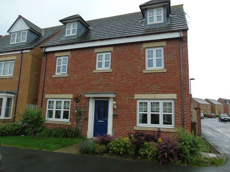 4 Bedrooms Property for sale in Earlsmeadow, Shiremoor, Newcastle upon Tyne, Tyne and Wear, NE27 0GB