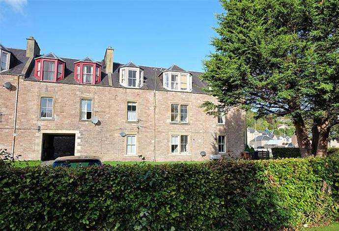 2 Bedrooms Flat for sale in 9b Queen Marys Buildings, Jedburgh, TD8 6EW