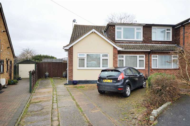 3 Bedrooms Semi Detached House for sale in Keith Avenue, Wickford