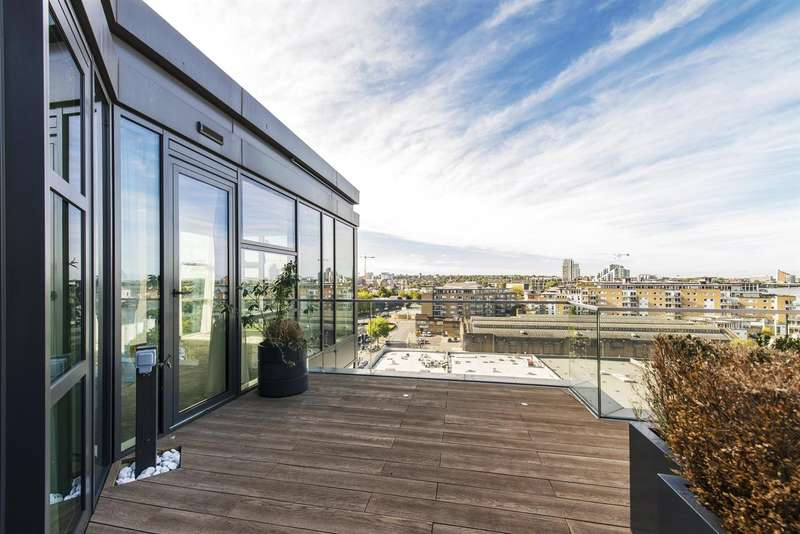 3 Bedrooms Flat for sale in Quarter House, Juniper Drive, Battersea Reach, London SW18