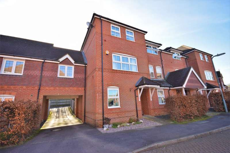 4 Bedrooms Town House for sale in Beggarwood, Basingstoke, RG22