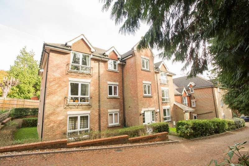 2 Bedrooms Apartment Flat for sale in Mutton Hall Hill, Heathfield, East Sussex, TN21 8LS