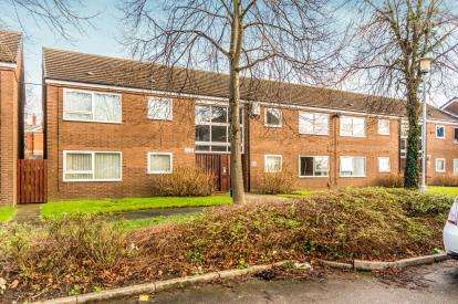 2 Bedrooms Flat for sale in Randolph Place, Shaw Heath, Stockport, Cheshire