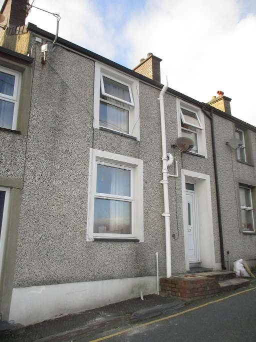 3 Bedrooms Terraced House for sale in 2 Noddfa, Penrhyndeudraeth LL48