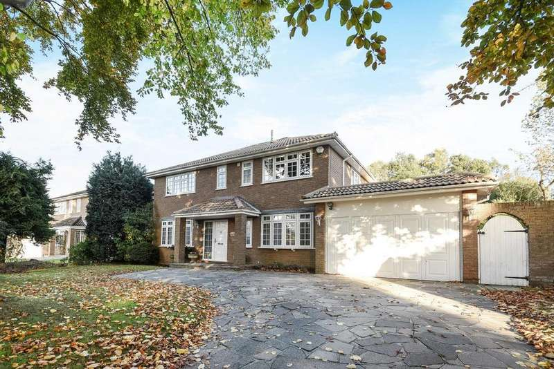 4 Bedrooms Detached House for sale in Hill Brow, Bickley