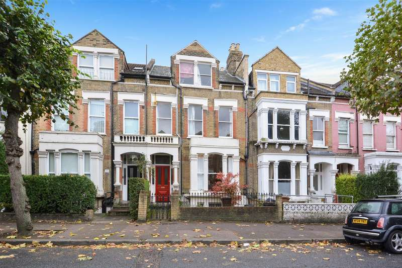 3 Bedrooms Flat for sale in Dunsmure Road, London