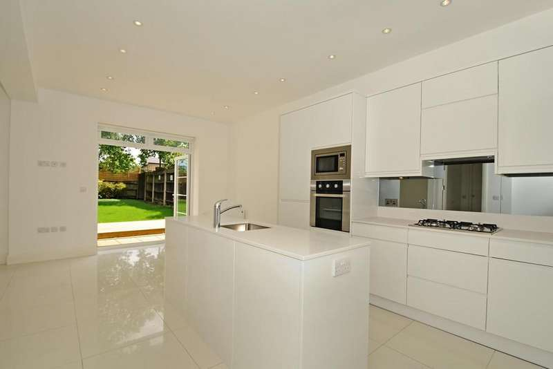 6 Bedrooms House for rent in Alexandra Grove London N12