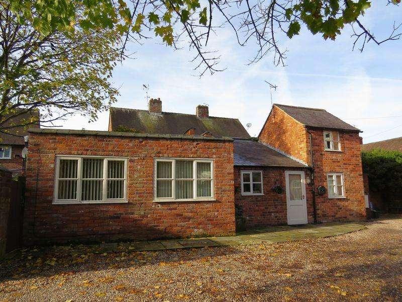 2 Bedrooms Detached House for sale in Grove End Court, Wem, Shropshire, SY4 5EN