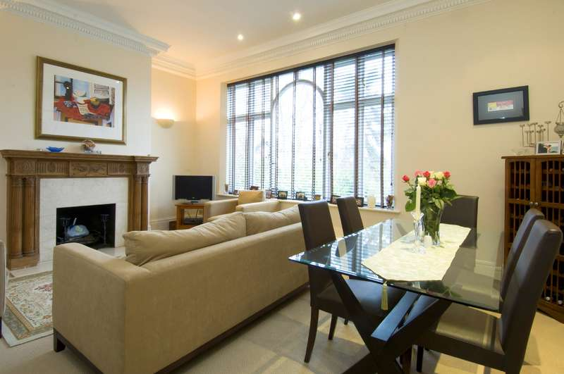 3 Bedrooms Flat for sale in Holford Road, Hampstead Village