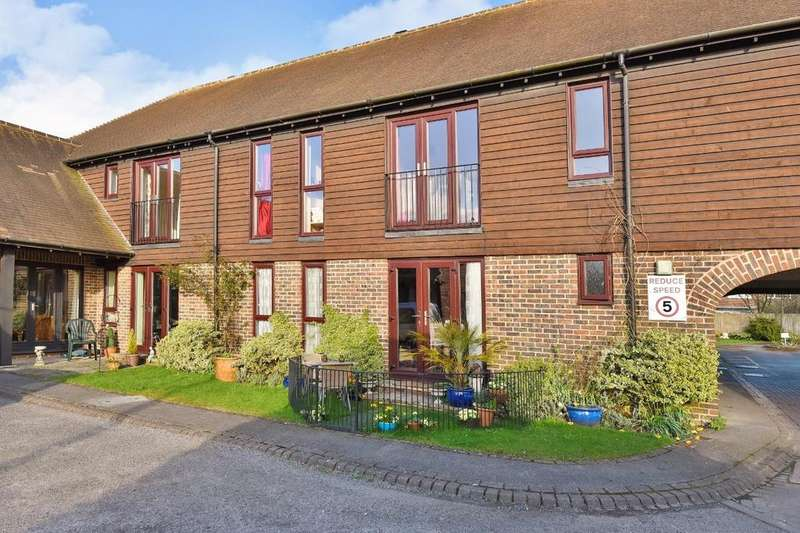 2 Bedrooms Retirement Property for sale in Farm Close, Barns Green, RH13