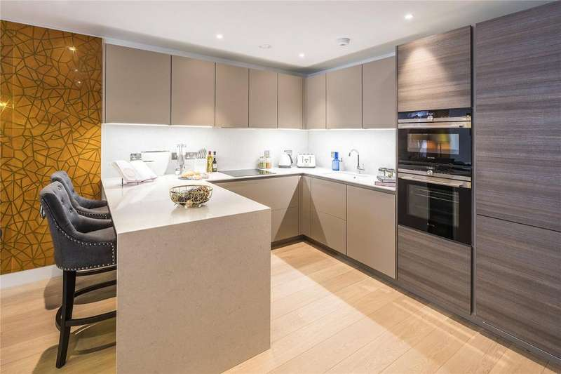 2 Bedrooms Flat for sale in The Featherstone, Featherstone Street, London, EC1Y