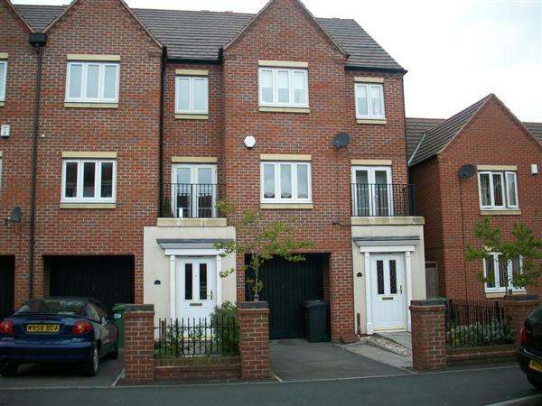 3 Bedrooms Town House for sale in Dunoon Drive, Wolverhampton