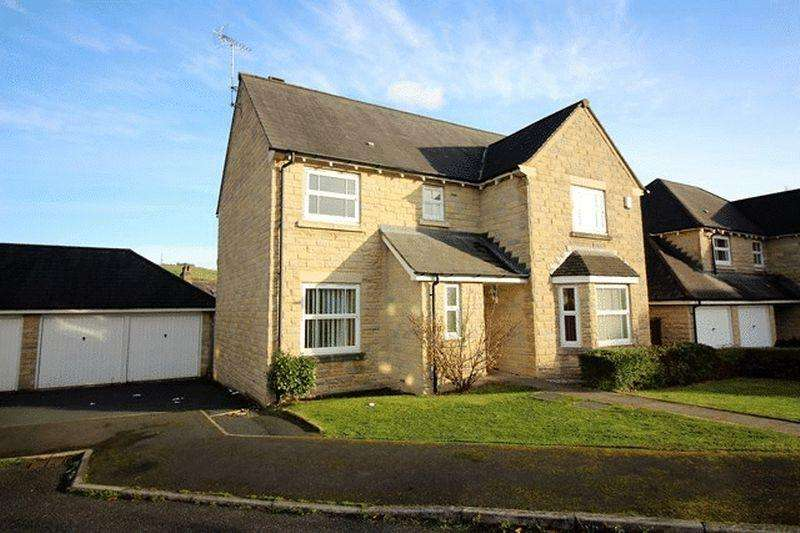 4 Bedrooms Detached House for sale in Charnock Close, Savile Park, Halifax