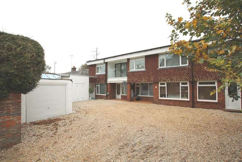 2 Bedrooms Flat for sale in The Street, East Preston, West Sussex, BN16 1HY