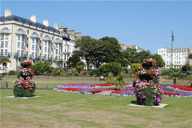 2 Bedrooms Flat for rent in Warrior Square, ST LEONARDS-ON-SEA, East Sussex, TN37