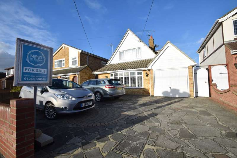 2 Bedrooms Detached House for sale in Leslie Road, Rayleigh