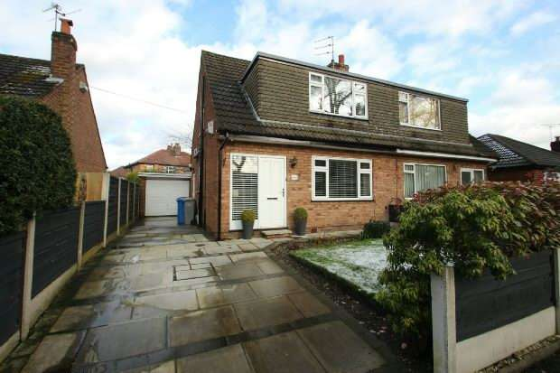 3 Bedrooms Semi Detached House for sale in Alma Road, Sale