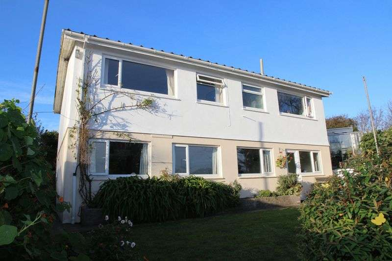 4 Bedrooms Property for sale in Towan Blystra Road, Newquay