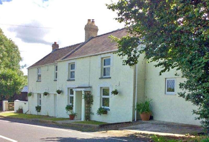 4 Bedrooms Land Commercial for sale in Brynderi, Llangoedmor, Cardigan, Ceredigion. SA43
