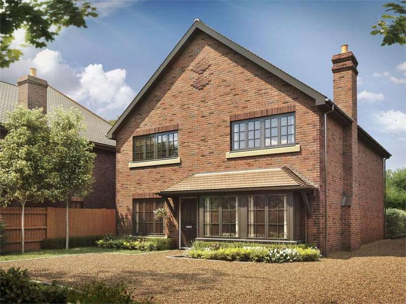 4 Bedrooms Detached House for sale in Bluebell Place, Farnham Road, Liss
