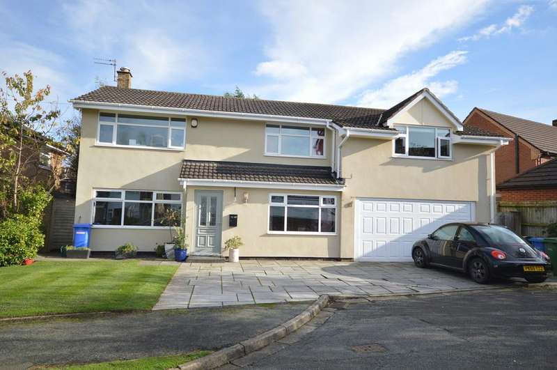 4 Bedrooms Detached House for sale in Oaklands Drive, Lymm