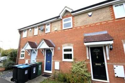 2 Bedrooms Terraced House for rent in Quendell Walk, HP2