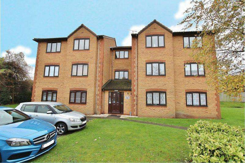 1 Bedroom Apartment Flat for sale in Avern Close, Tipton
