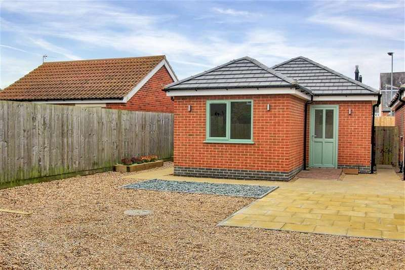 2 Bedrooms Detached Bungalow for sale in Gladstone Street, Gladstone Street, Lutterworth, Leicestershire