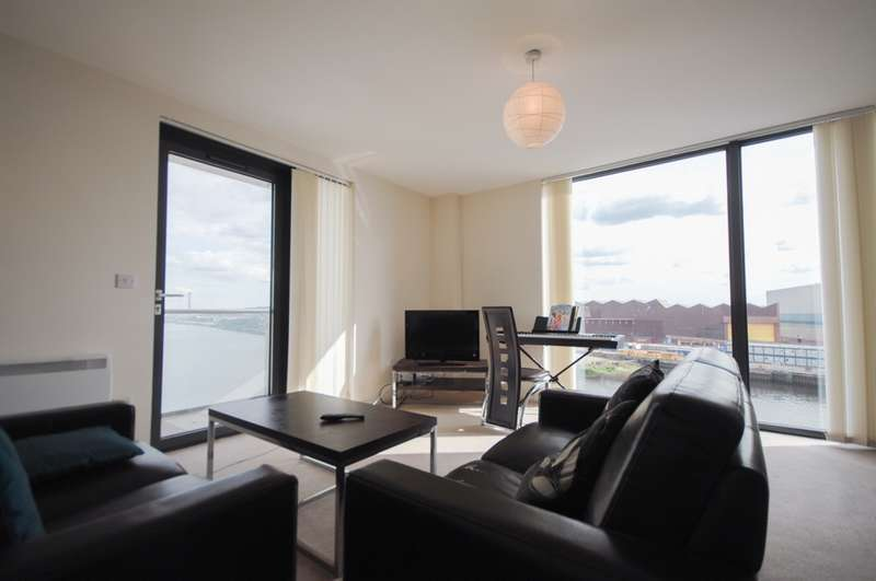 2 Bedrooms Flat for sale in 6/4 16 Castlebank Place, Glasgow