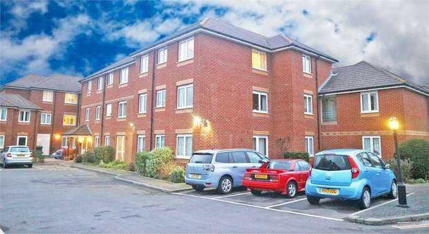 1 Bedroom Flat for sale in Canberra Close, Gosport, Hampshire