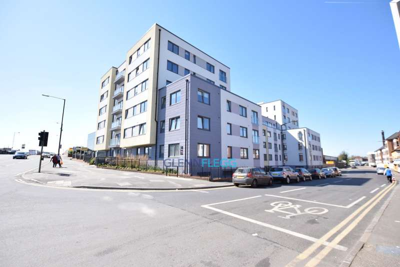 1 Bedroom Flat for sale in Central Slough, 0.1 Miles to Cross Rail Station ( 2019 )