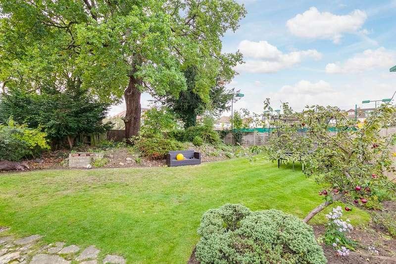 5 Bedrooms Detached House for sale in Mount Ephraim Lane London SW16