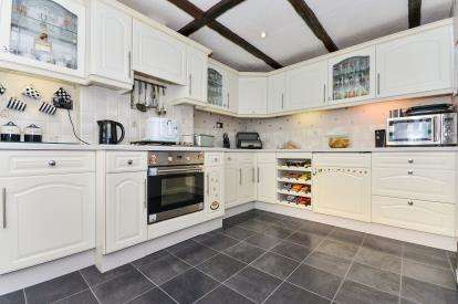 3 Bedrooms Bungalow for sale in Lismore Court, Mansfield, Nottinghamshire