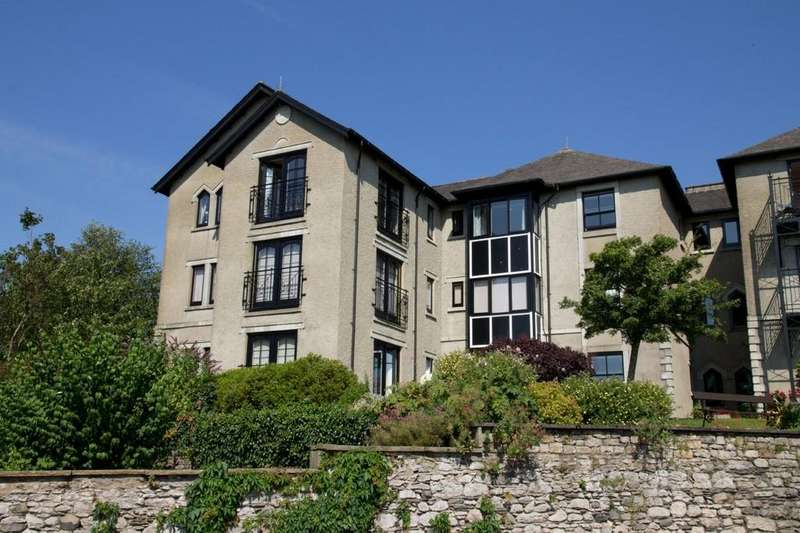 2 Bedrooms Apartment Flat for sale in 18 Crown Hill, Main Street, Grange-over-Sands, Cumbria, LA11 6AB