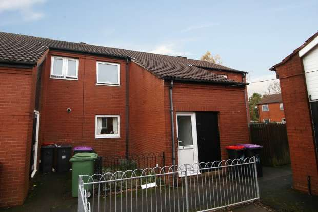 1 Bedroom Flat for sale in Hollybirch Grove, Telford, Shropshire, TF2 9QG